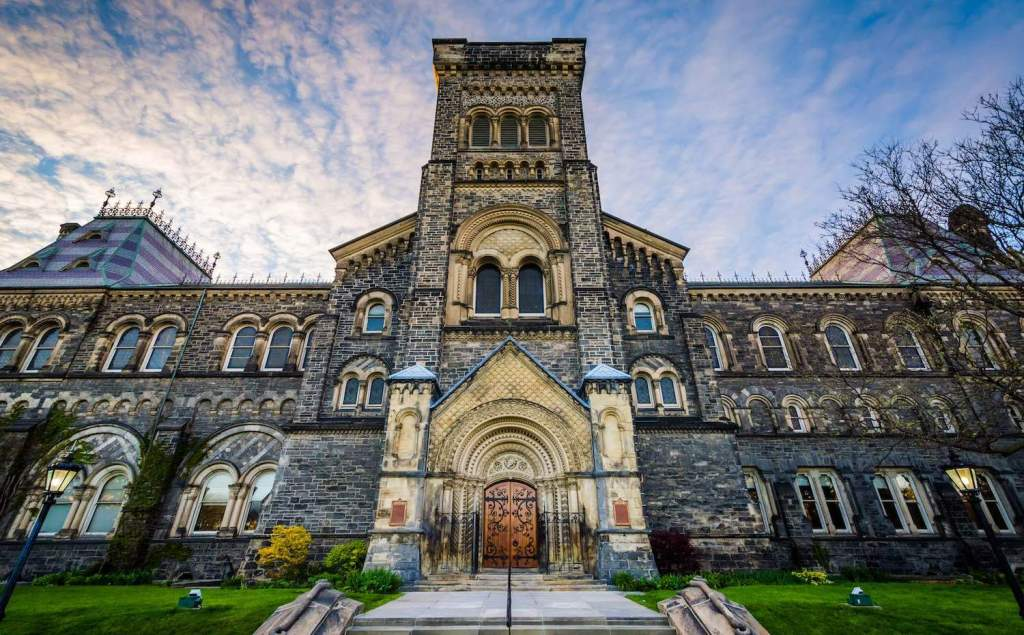 10 Best Global Universities in Canada with Top Rankings