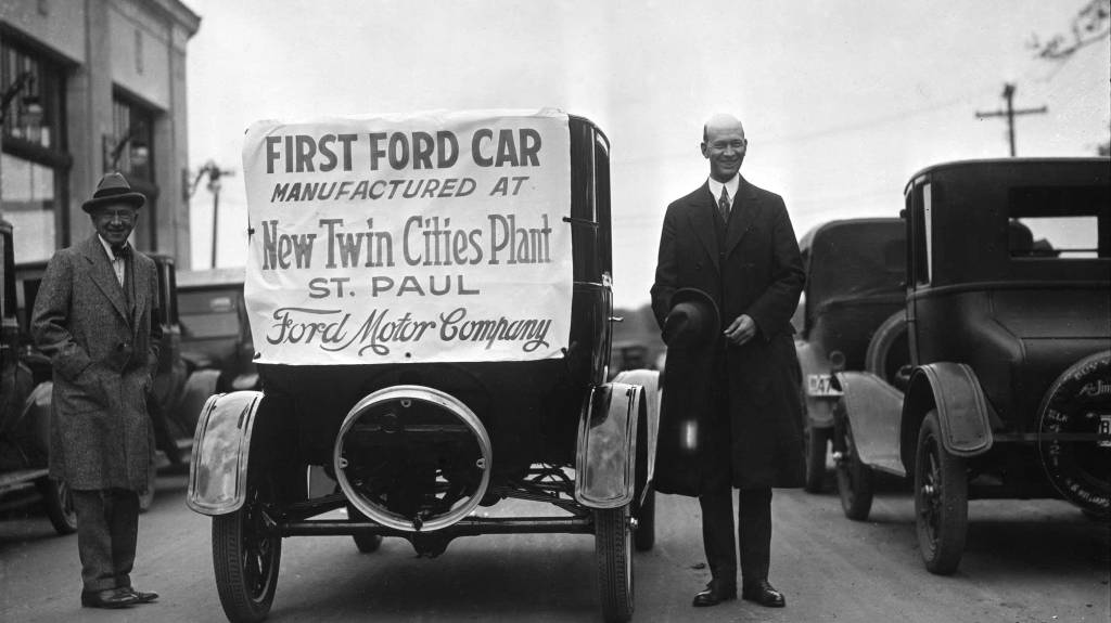 Henry Ford and the Birth of the First Car Production Industry